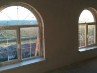 Арочные окна с шпроссами